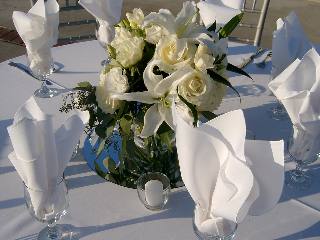 White Centerpieces All White Floral Centerpieces Linens A Flickr