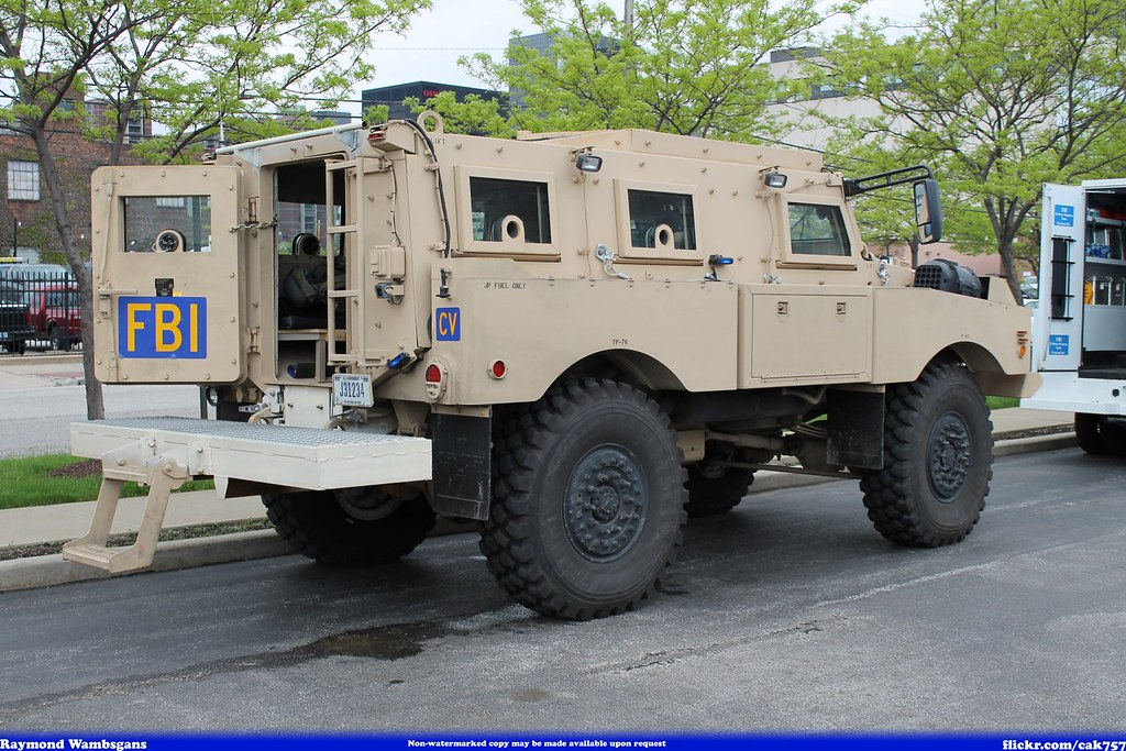 Armored vehicles, Vehicles and Photos on Pinterest