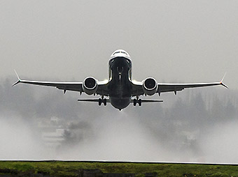 Boeing B737 MAX 8 take off front (Boeing)