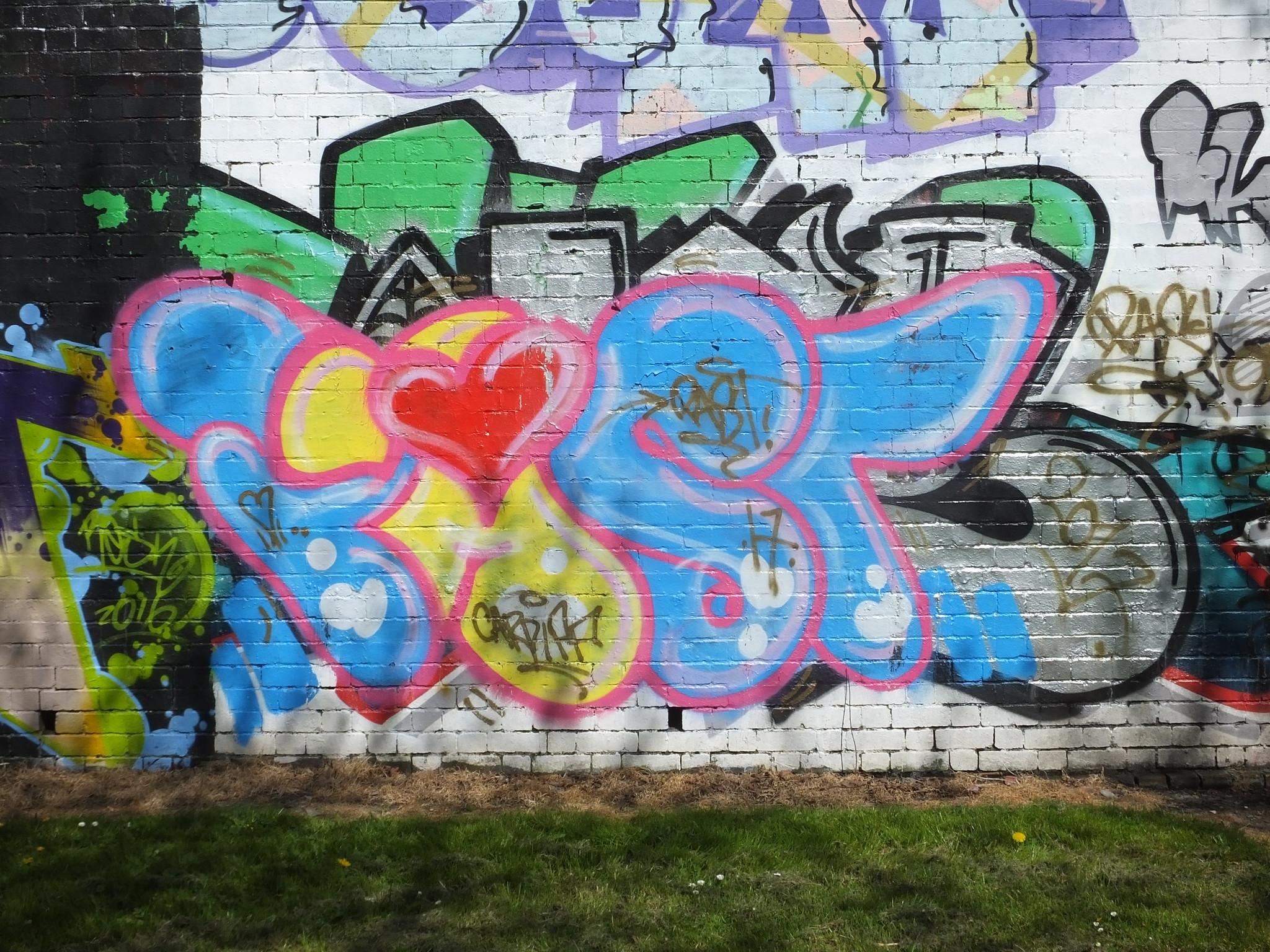Street art Cardiff, Sevenoaks Park