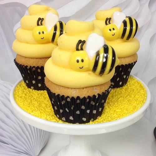 Honey Bee Chocolate Cake