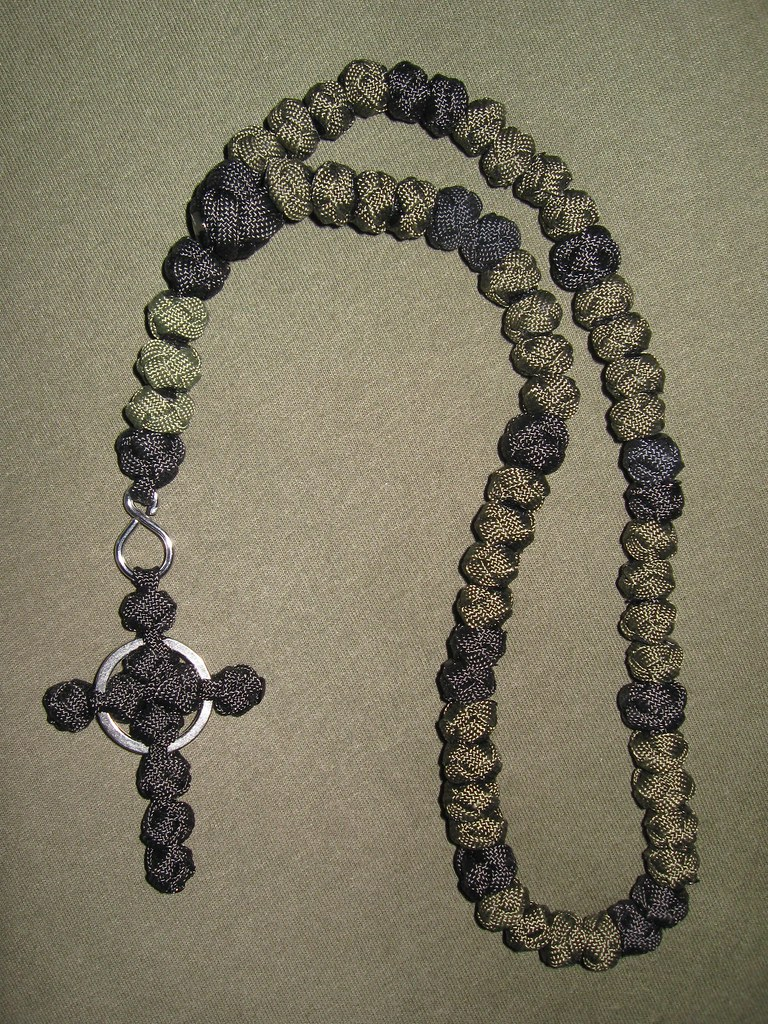 Img 7526 paracord rosary with celtic cross arty for Paracord cross instructions