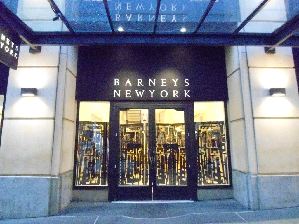 Attirant ... Barneys New York Downtown Seattle Unusual Screen Covering The Front  Entrance When The Store Is Closed