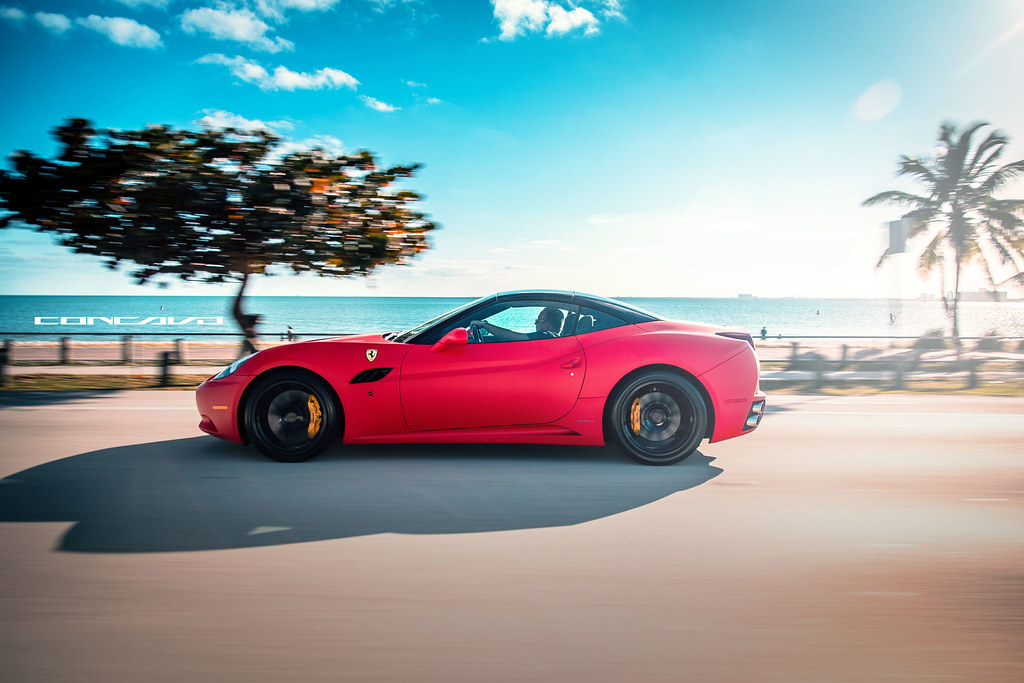 Ferrari California Matte Red On Cw 12 Gloss Black Www