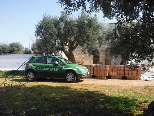 carabinieri guardia forestale polignano veranda abusiva