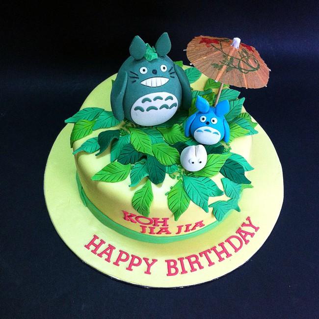 Japan Totoro Fondant Cakes