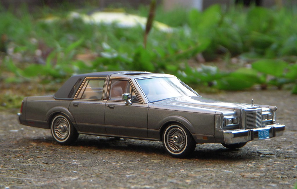 1986 lincoln town car 1 43 scale model by neo another phot flickr 2013 Lincoln Town Car 1986 lincoln town car 1 43 scale model by neo by paulbusuego