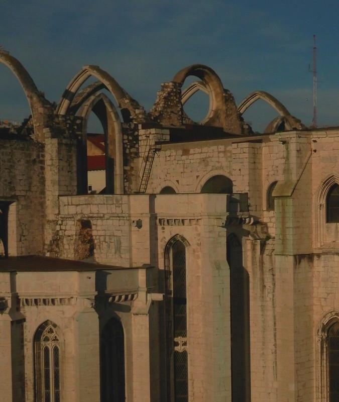 Una ruina gótica del barrio alto