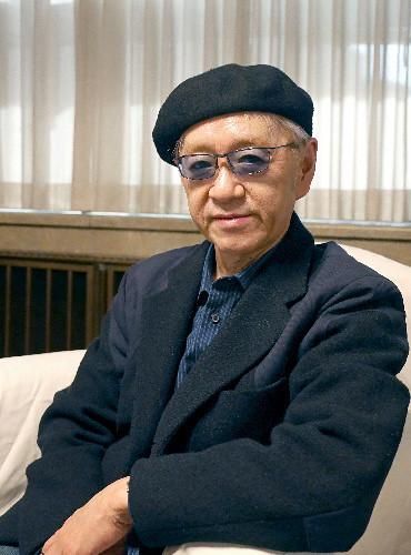 Tác giả series 'Quán' Ayatsuji Yukito ra mắt tác phẩm kỷ niệm 30 năm viết