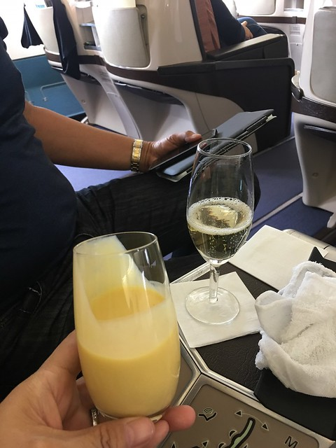 PAL London,  smoothie and champagne