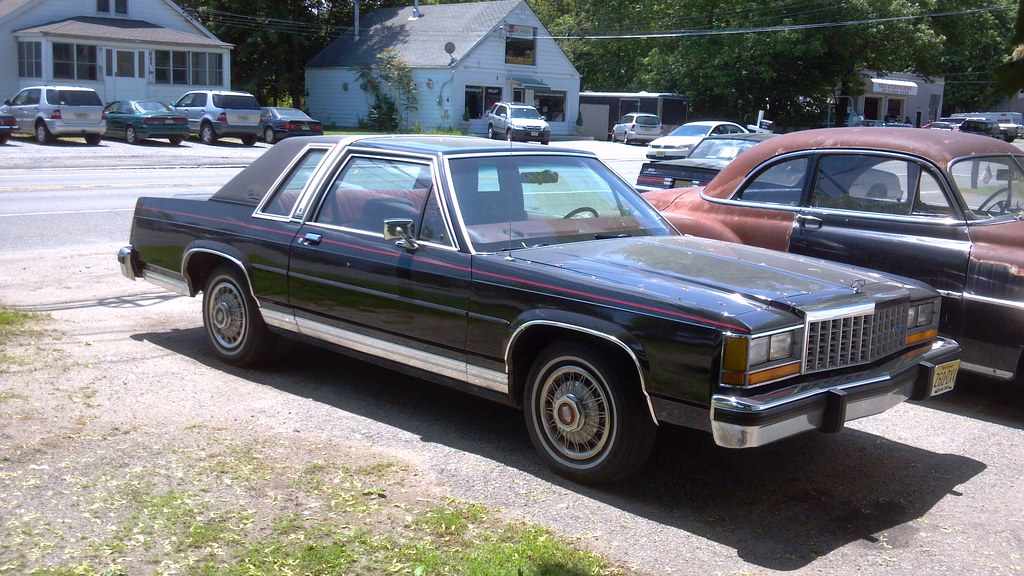 1987 ford ltd crown victoria coupe 1987 was the last year flickr. Black Bedroom Furniture Sets. Home Design Ideas