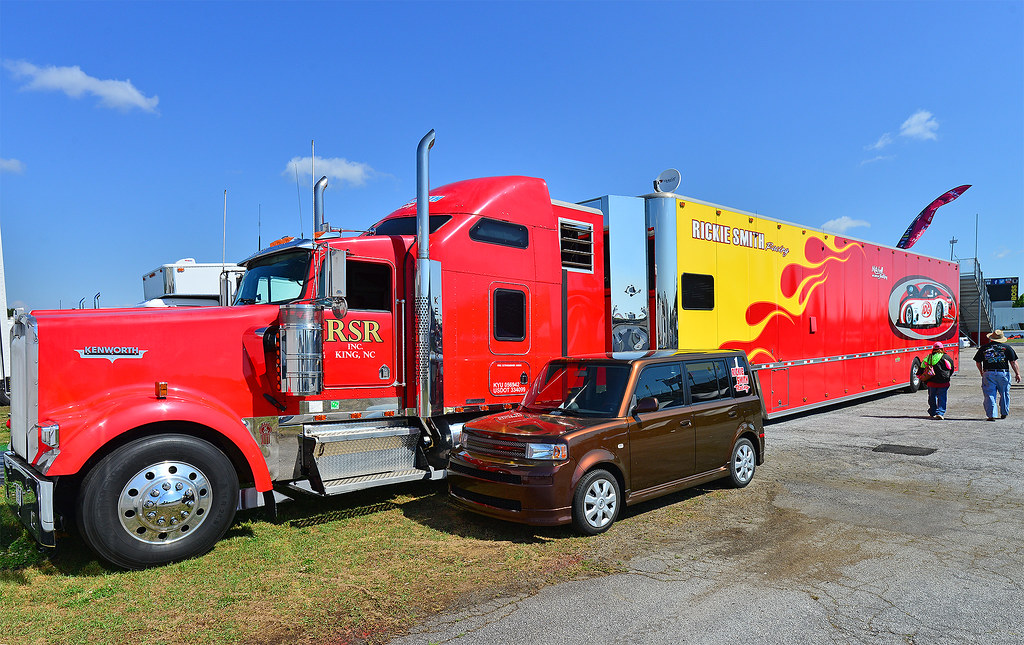 Rickie Smith Racing Kenworth race car hauler | In the pits a… | Flickr