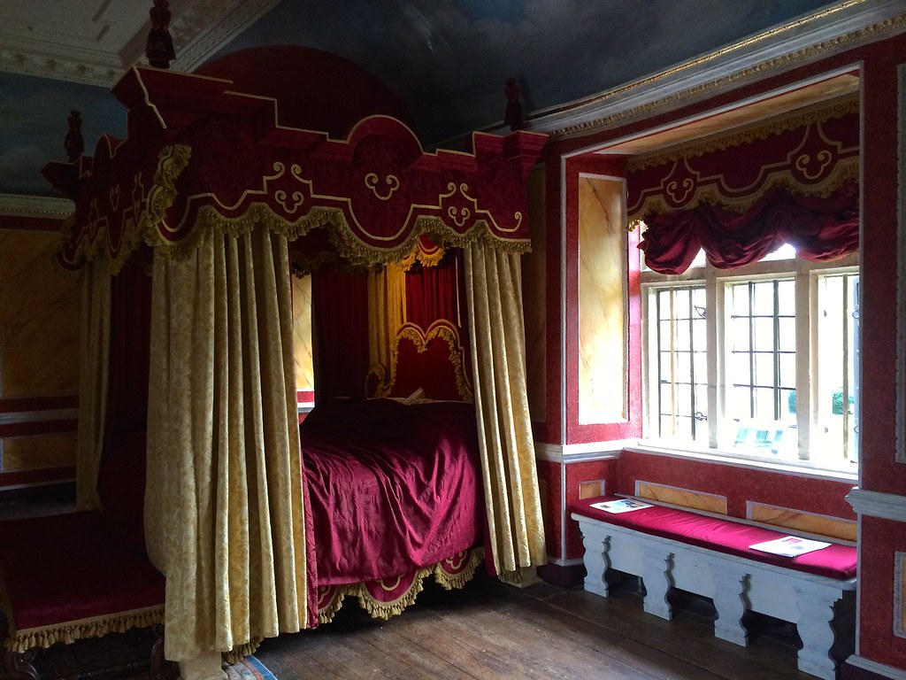 16th Century Bedroom Avebury Manor Avebury Wiltshire E
