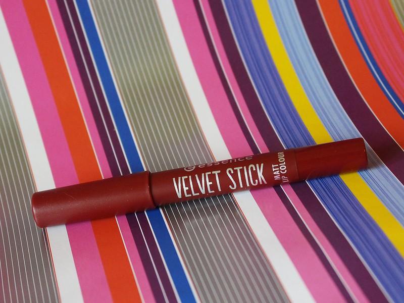 Essence Velvet Stick