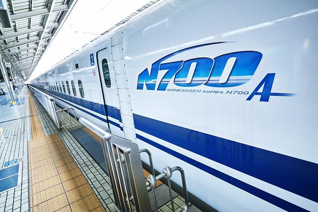 20170331_08_新大阪駅と新幹線