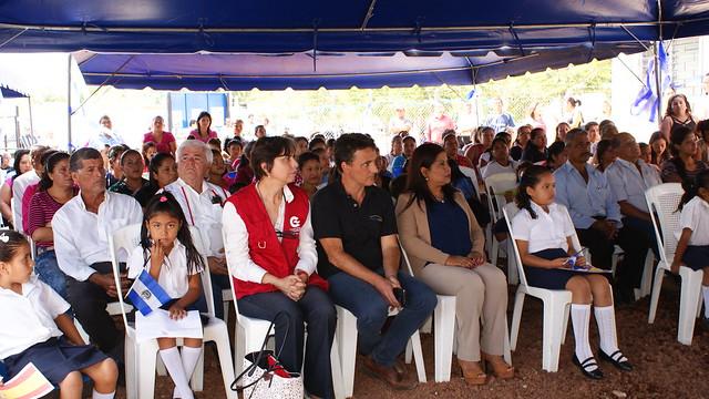 Inauguración de la construcción y equipamiento de Unidad de Salud Básica El Cerrón, municipio el Porvenir, Santa Ana