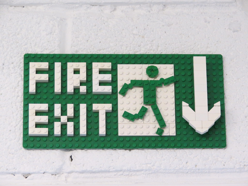 Confusing Exit Sign & Emergency Exit Signs: Regulations and Types