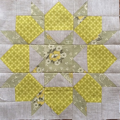 Block 1: mini swoon for the #schnitzelandboominiquiltswap #miniquilt | by duckyhouse