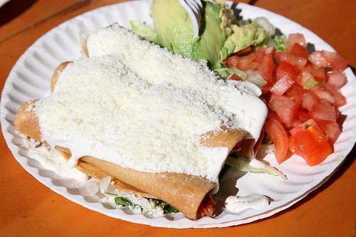 Flautas de pollo ricos tacos aka piaxtla es mexico deli - Tacos mexicanos de pollo ...
