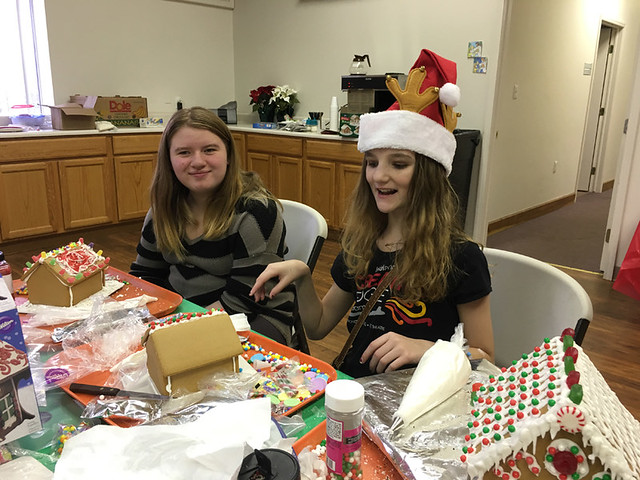 Building Gingerbread Houses 2016