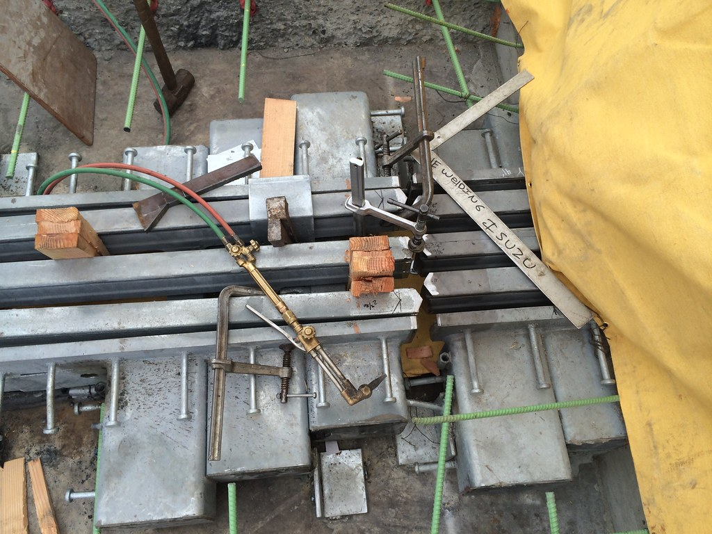 Ready for welding the two ends of a new expansion joint