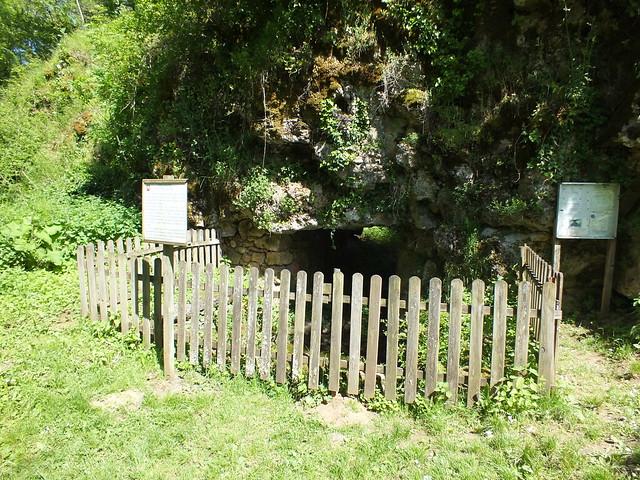 [055-020] Capdenac - La fontaine Gauloise & La fontaine de César (Chemin des Fontaines)