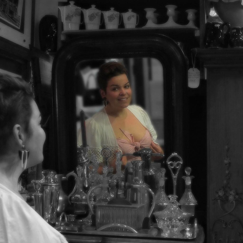 La femme au miroir the woman to the mirror certain for Miroir 3 pans