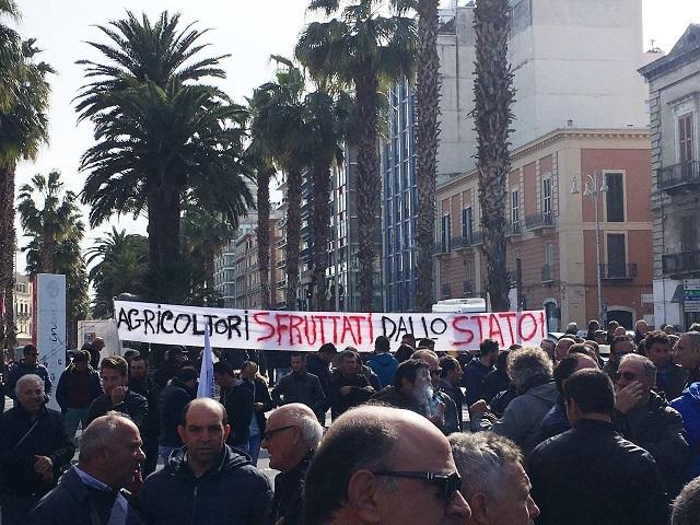 Noicattaro. Protesta agricoltori intero1