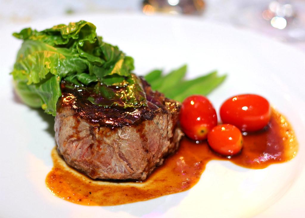 gala-dinner-steak