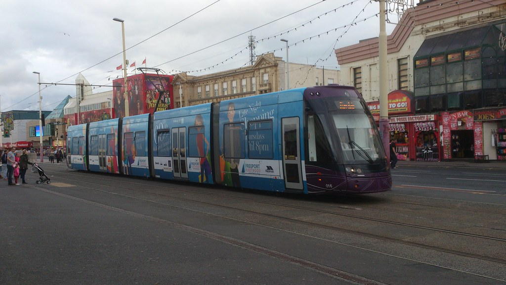 Blackpool Transport 016 Bombardier Flexity Swift 2 Articul