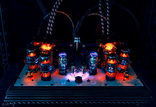 Beautiful and pure sound - ultimate tube amplifier | by Ruslan Vassiljev