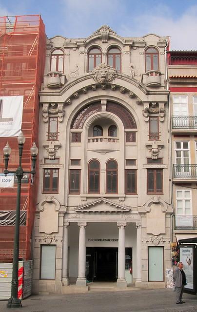 Lion Building Porto
