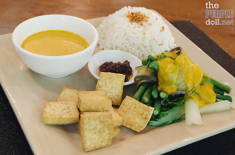 Kare-Kare Tofu from Luna Breakfast and Coffee