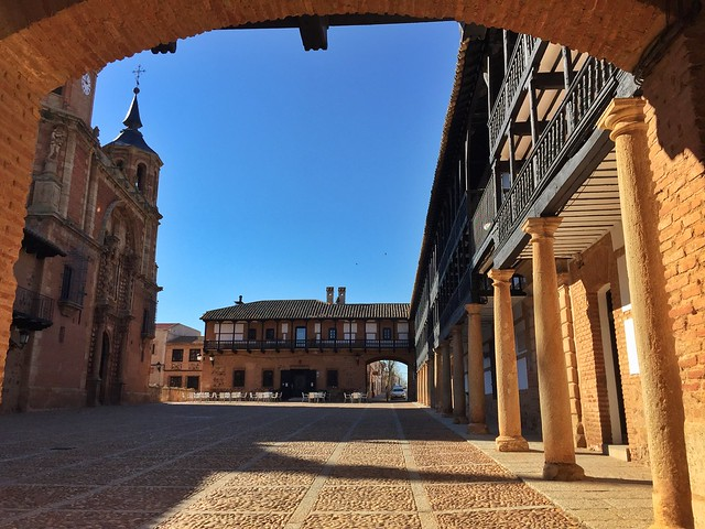 Plaza Mayor de San Carlos del Valle (Ciudad Real)