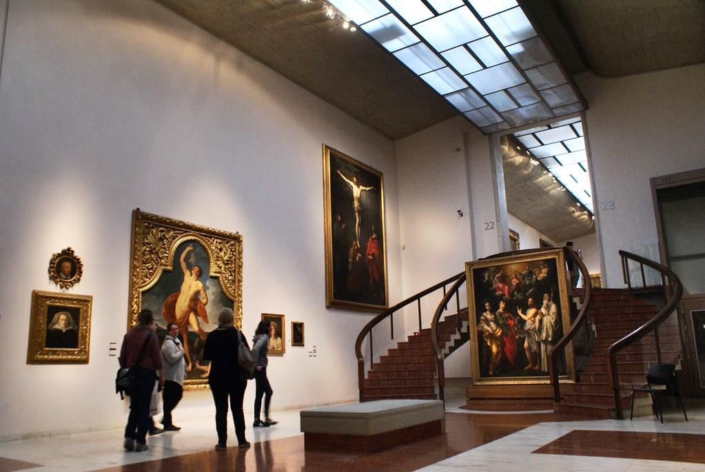 30 salles d'expositions spacieuses et agréables forment la Pinacothèque de Bologne.