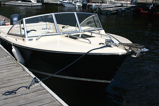 flush-deck-hatch-provides-easy-access-to-foredeck | by Wefings Marine