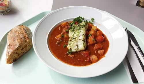 Codfish Sicilian style with tomato ciabatta / Kabeljau auf sizilianische Art mit Tomaten-Ciabatta