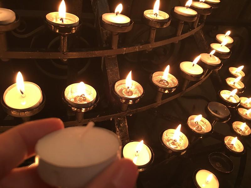 edinburgh 227 lighted candles