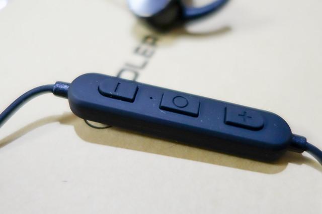 COLERAK ワイヤレス Bluetooth 4.1 ブルートゥース イヤホン スポーツ 両耳 Apple 会社の製品 バッテリー残量表示 音楽 長時間 小型 高音質 マイク おすすめ用 iphone7対応
