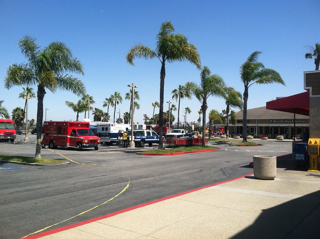 IMG_5621 | PCH and 2nd Street shopping center command post f