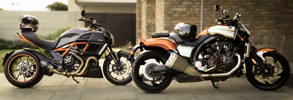 Ducati Diavel Vs Yamaha Vmax