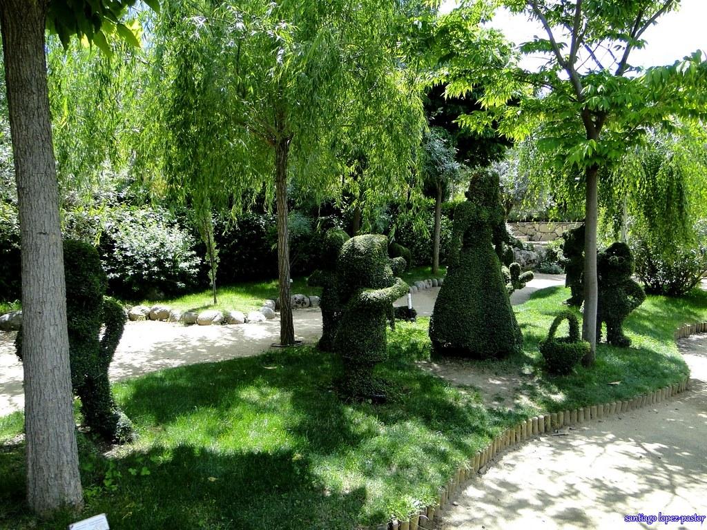 Blancanieves y los siete enanitos el bosque encantado sa for Jardin botanico el bosque encantado