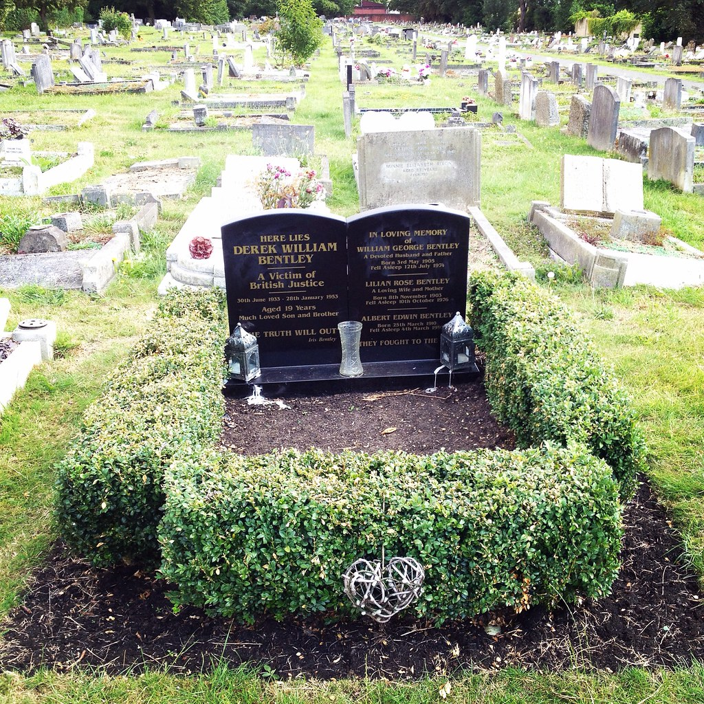 Grave Of Derek Bentley Croydon Cemetery A Sad But