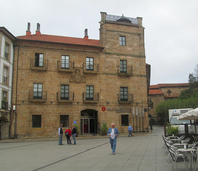 Another Old Building, Avilés
