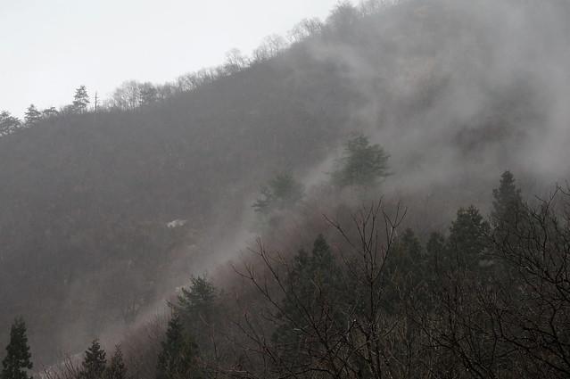 霧の流れる山肌_201704_NO1