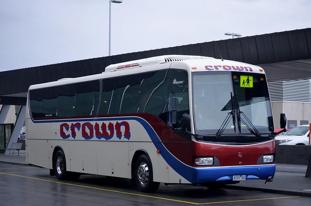 4168 ao mercedes benz o500rf ncbc for crown coaches for Crown mercedes benz