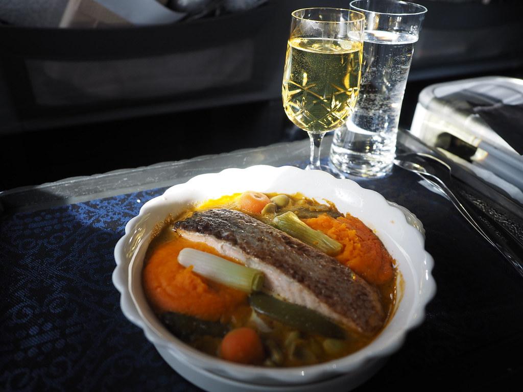 ruoka KLM:n bisneksessä