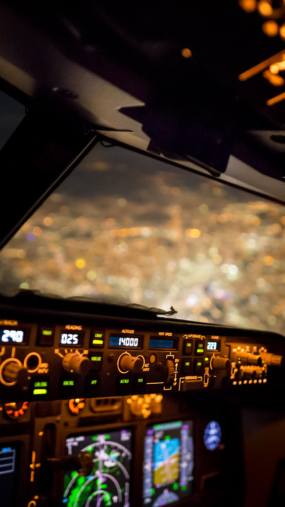 Canon 4k Video Camera >> London from the 737 cockpit (phone wallpaper) | Canon 6D + S… | Flickr
