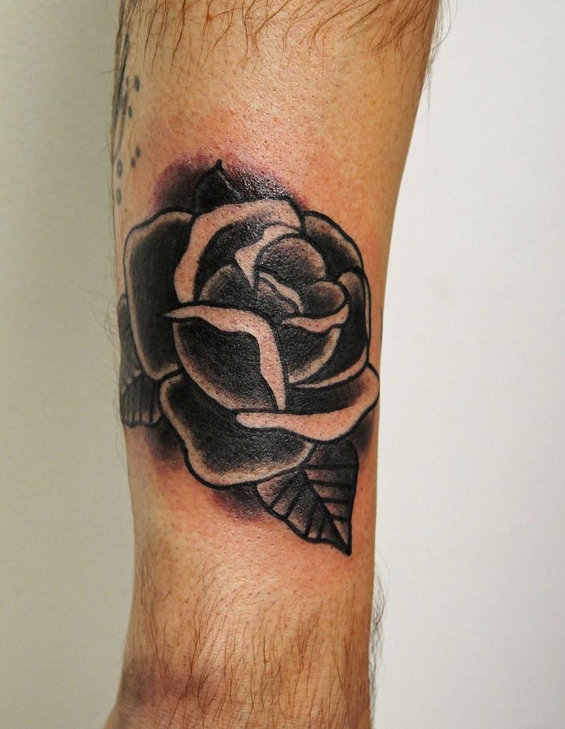 traditional black rose tattoo traditional black rose tatto flickr. Black Bedroom Furniture Sets. Home Design Ideas