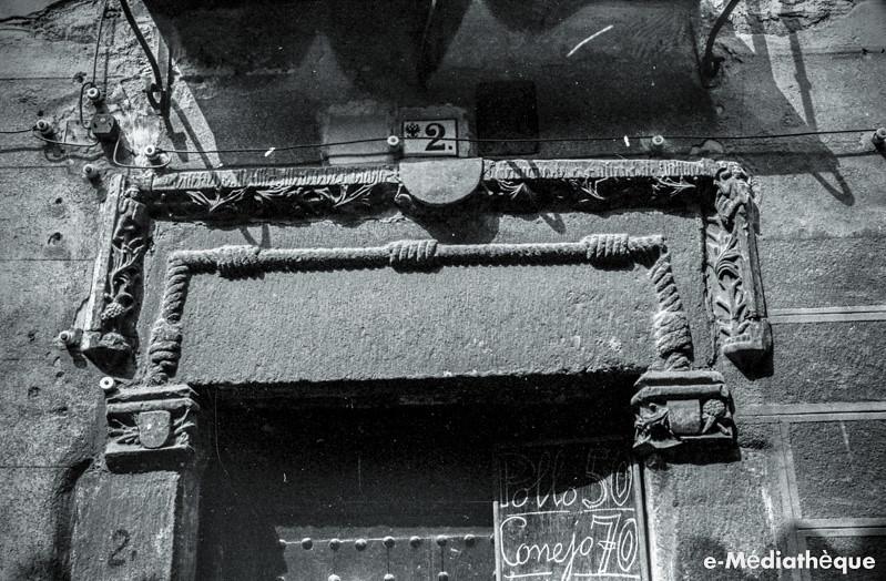Portada en Toledo en agosto de 1965. Fotografía de Jacques Revault © e-Médiathèque | Médiathèque SHS de la Maison méditerranéenne des sciences de l'homme